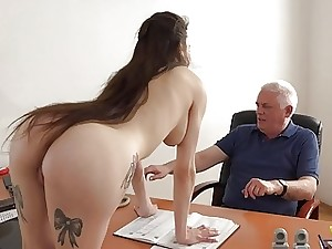 Youthfull Girl Fucked by Old Man Office Gargle