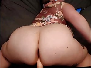 BBW Showing Ass Doggie-style Solo