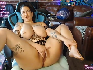 Busty Tatttoed Alt Girl MILF Squirting in Webcam 18-27-17