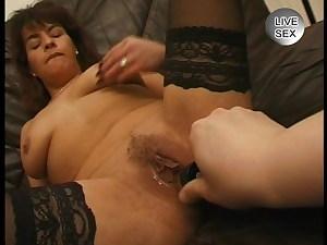 Unbefriedigte Hausfrau Dildo + Blowjob Retro