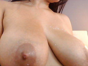 Busty Latina Heidy sucks milk from her nipples
