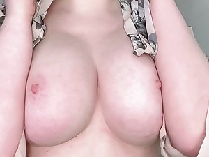 Yam-sized Tit Reveal